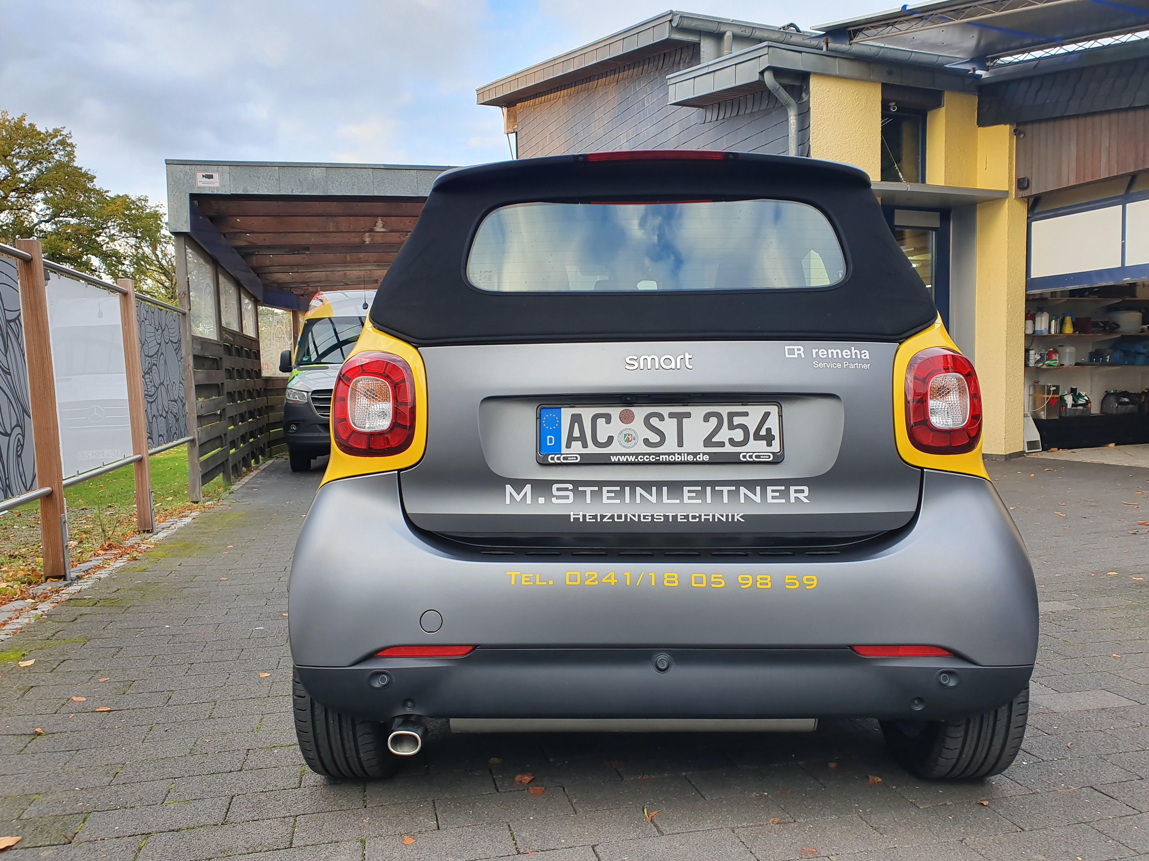 Fahrzeugbeklebung_Steinleitner_DesignIProduktionIMontage_Schauwerbung Mennicken